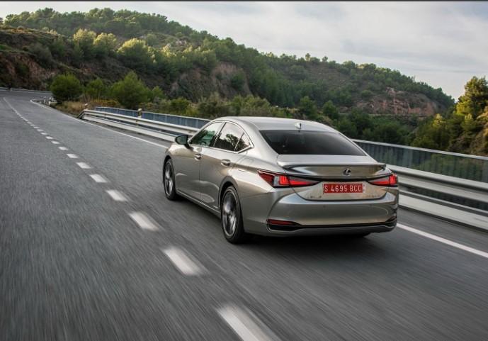 2022 Lexus ES ES300h Redesign